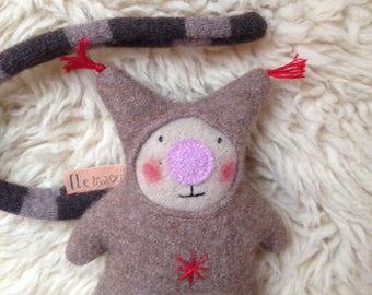 Cuddly little Maou wool 100% recycled wool
