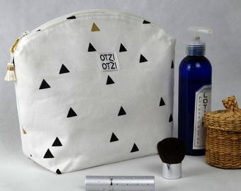 Kit toiletry bag - makeup - woman - white graphic with black and gold triangles