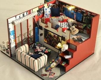 Dollhouse kit etsy - Bagno in miniatura ...