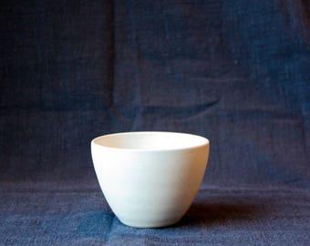 White tea - bowl speckled - snowflakes