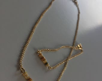 Necklace and braceletset with shell beads