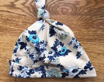 Baby hat flowers
