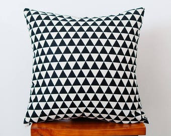 black and white geometric triangle pillow decoration for sofa