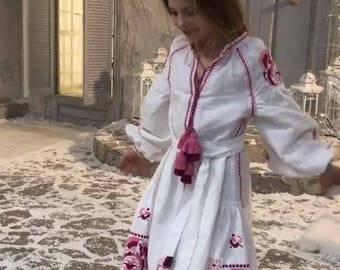 Vyshyvanka Girl's Dress Boho Ukrainian Embroidery Ukraine Dresses Custom boho clothing White Linen Vishivanka Bohemian Clothing Gift