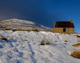 """Bothy in the Snow: 5"""" x 7"""" Greeting Card, Blank inside, with envelope"""