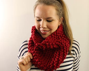 Knitted Cowl in Red {Wool Scarf, Chunky Knit Scarf, Knit Cowl, Red Scarf, Infinity Scarf}