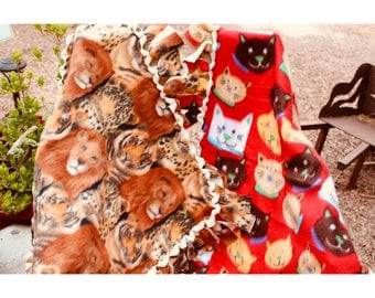 Cat And Dog Fleece Blankets (Color Options)