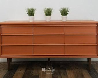 Mid Century Modern (MCM) Dresser