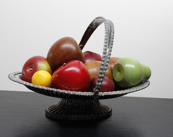 Silver-plated bride's Basket pedestal base with handle Mid Century Modern Home Decor/fruit basket /fruit tray with handle