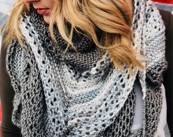 Knit shawl in customizable colors!