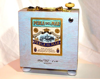 Perla Del Mar Cigar Box Amp
