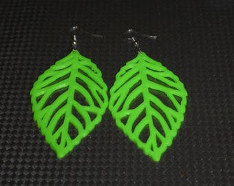 Green leaf earring