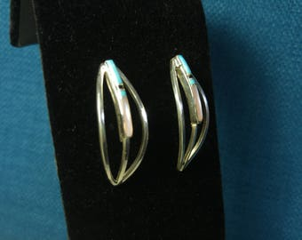 Silver and Turquoise Inlay Earrings- Curved Earrings- Zuni Style- Southwestern Jewelry- Delicate Earrings- Silver Earrings- Pretty Earrings