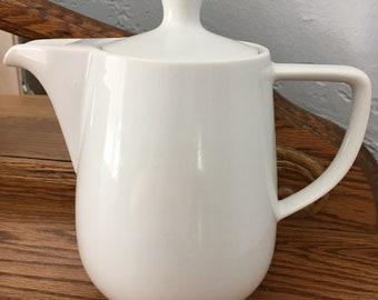 Vintage Melitta coffee teapot White Porcelain Germany No drip spout 1qt.