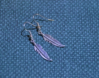 Earring with Feathers