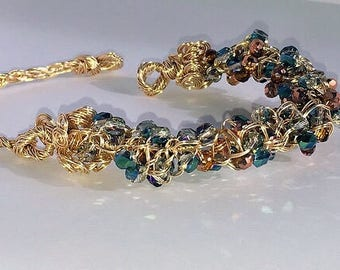 Wire bracelet with crystals