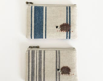 Mini zipper pouch  -linen cotton stripe with a hedgehog applique
