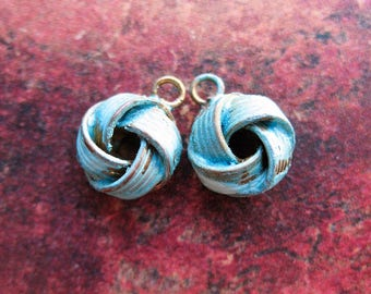 Vintage Brass Love Knot Charms in Verdigris Patina - 1 pair -