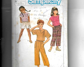 Simplicity Girls' Pull-On Pants , Shorts and Pullover Top Pattern 6769
