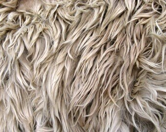 Suri Alpaca Fleece, Raw, Unwashed, for Doll Hair and Spinning, 9 ounces from Grease