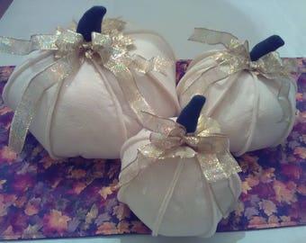 Pumpkin Set of 3 Fall Autumn Halloween Thanksgiving Country Chic Farmhouse Fabric Centerpiece Glittered Felt
