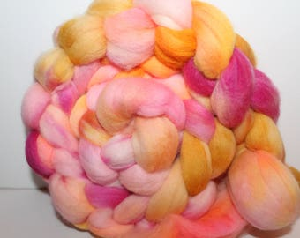 Kettle Dyed Merino Wool Top. Super fine. 19 micron  Soft and easy to spin. 4oz  Braid. Spin. Felt. Roving. M265