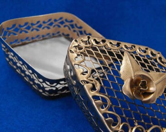 Vintage Trinket Box, Goldtone Open-Work and Mesh with Rose, UPCYCLED ca 1960 NT-220