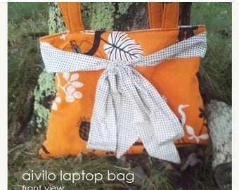 SALE Laptop Bag - easy PDF Sewing Pattern - customize to any size laptop or netbook - Instant Download