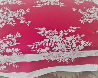 VINTAGE  collectible Bright colorful Wilendur table cloth, white floral leaf, red, vivid colors, clean, Excellent condition