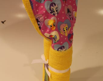 My Little Pony yellow hooded towel