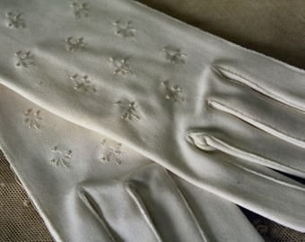 Dainty White Small Vintage Gloves