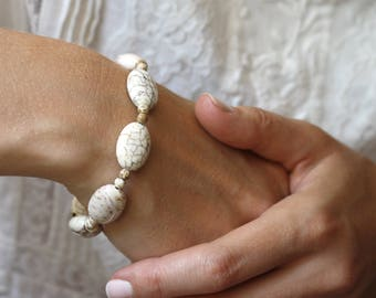 White Howlite Bracelet . White Howlite Chunky Bracelet . Calming Jewelry . Heal Bracelet . Natural Gemstone Bracelet - Sussex Collection NEW