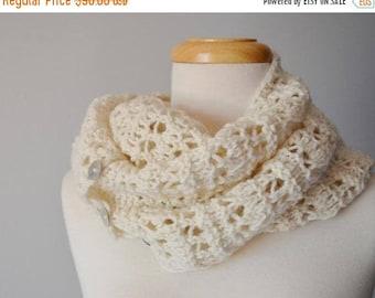 First Fall Sale - 15% Off Permafrost Scarf - Hand Knit Merino Wool Button Scarf. Women's Fall Fashion Scarf/Cowl, Winter Fashion, Fleece Whi