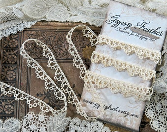 Antique Scalloped Edging Lace, 50 Inches ...Vintage Open lace yardage trim...dolls, crazy quilting, CQ, fabric art books, collage...LY180109