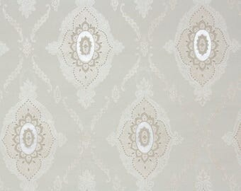 1950s Vintage Wallpaper by the Yard - Silver and Cream Medallions