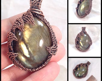 Beautifil Golden Flash Labradorite in grips of wire, pendant, necklace