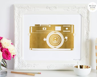 Gold Camera Art Print, Camera Print, Printable Camera, Home Decor Wall Art, Photographer Art, Photographer gift, Vintage Camera, Gold Logo
