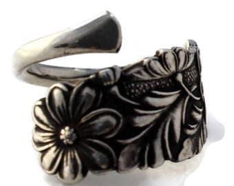 Gorgeous Floral Sterling Demitasse Ring Size 3-9