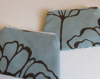 Coin purse in blue linen flower print