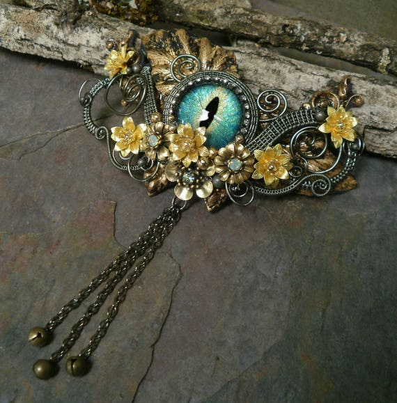 Gothic Steampunk Aqua Turquoise Eye Barrette Haarschmuck with Tiny Bells