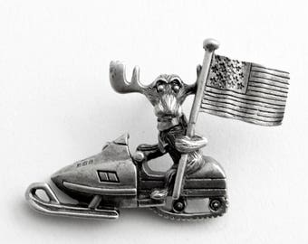 Markie Moose Snowmobile Snow Machine Patriot Flag tac pin LAST ONE in pewter