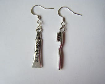 Earrings toothpaste and tooth brush ♥ ♥