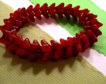 Czech 5 Point Bellflower 6x9mm Glass Beads in Red Silk with Picasso Finish - 25 ct