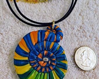 Happy Swirly Pendant Necklace