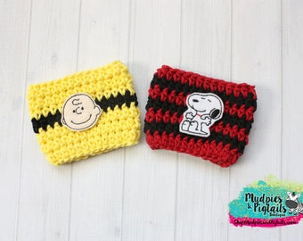 Crochet Mug Sleeve { Snoopy & Charlie Brown } Peanuts, Valentine's Day, coffee cup cozy, yellow, black, red coffee gift, knit mug sweater