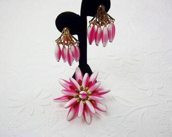 Art Glass Pink Variegated Bead Brooch, Art Glass Earrings, Unusual Jewelry, Dangle Clip Earrings, 1950's Jewelry