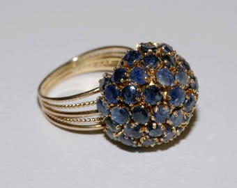 Genuine tested 14k gold and natural sapphire 1960s domed ring size 5  shipping included Canada and U.S.A