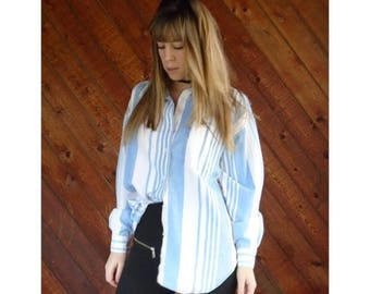 20% off SUMMER SALE. . . Soft Striped Denim Button Down Shirt - Vintage 90s - L