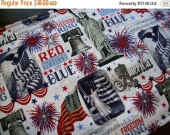 ON SALE Patriotic Table Runner Fireworks Statue of Liberty Bell Padded