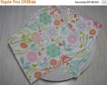 SALE Cloth Napkins Butterflies Flowers on White Set of 4